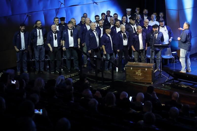 Galę uświetnił występ trójmiejskiego męskiego chóru szantowego Zawisza Czarny