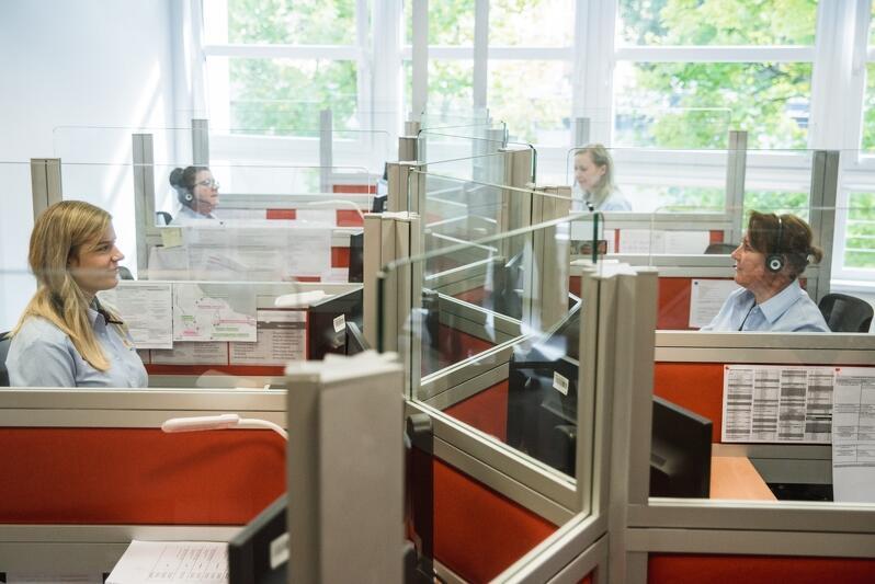 Zachęcamy, by w najbliższych dniach - w miarę możliwości - sprawy administracyjne, bądź inne związane z funkcjonowaniem miasta, załatwiać telefonicznie bądź mailowo, poprzez Gdańskie Centrum Kontaktu (tel. 58 52 44 500)