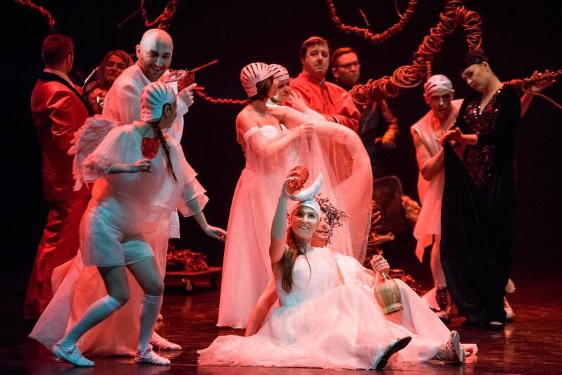 Gdańsk. Opera Bałtycka Orfeusz w piekle . Na zdj. próba medialna do spektaklu, która odbyła się 10 kwietnia 2018 r.