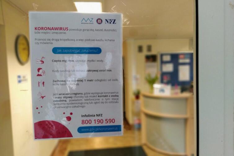 W związku z zagrożeniem rozpowszechnienia się koronawirusa, od poniedziałku 16 marca br. do odwołania wstrzymana jest bezpośrednia obsługa klientów w gdańskim magistracie i miejskich podmiotach. Zmiany obowiązują także w Urzędzie Stanu Cywilnego