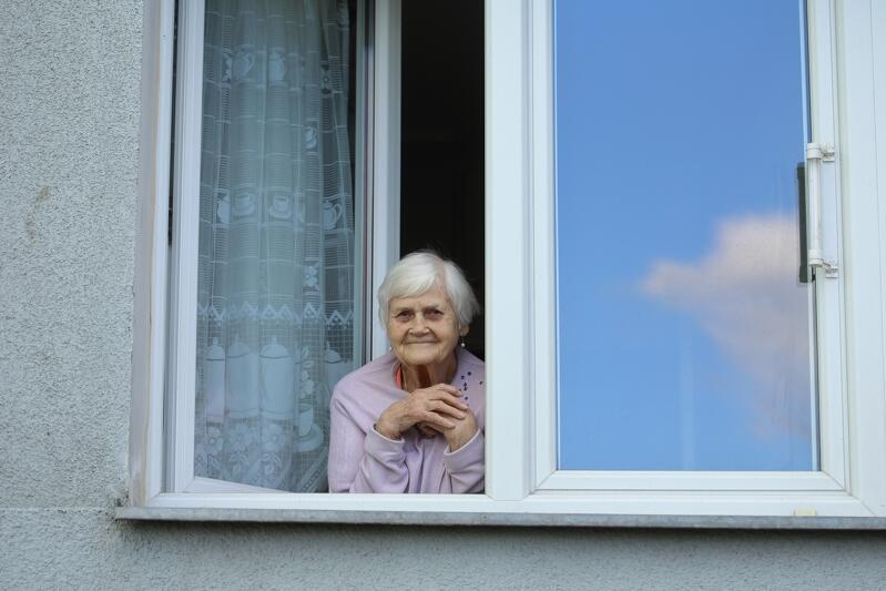 W czasie pandemii koronawirusa seniorzy powinni zostać w swoich domach. Nz. Barbara Klaus