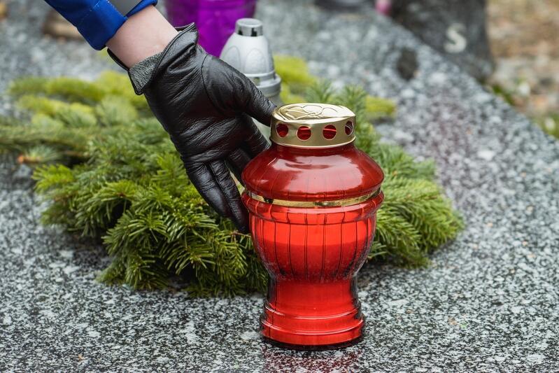 Panująca pandemia wymusiła zmiany także w ceremoniach pogrzebowych
