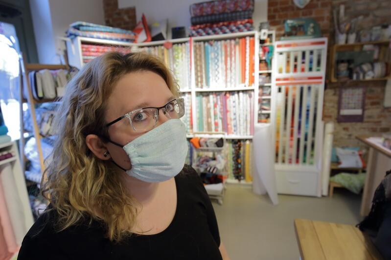 Inicjatywa #ngosySZYJĄMASKI3city rozpoczęła się w niedzielę, 15 marca, 20 marca już 700 osób w Trójmieście zadeklarowało, że będzie szyć maski w domach na własnych maszynach
