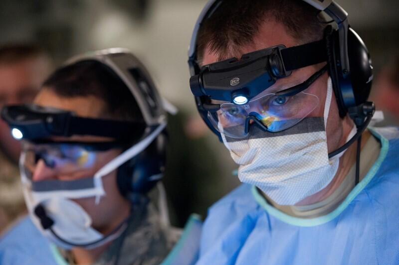 Lekarze potrzebują miejsc poza domem w którym w izolacji ochronić bliskich od zażenia koronawirusem