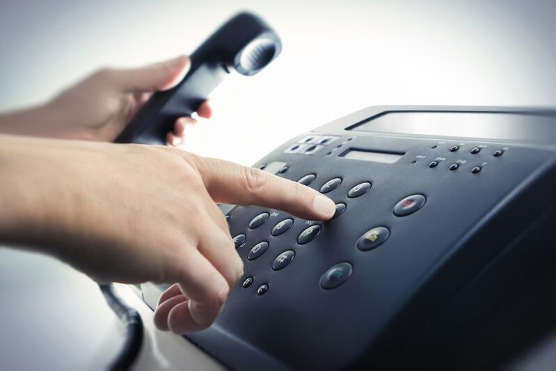 58 555 53 00 - to numer telefonu pod który zadzwonić może każdy, to czuje samotność i strach spowodowany kornonawirusem