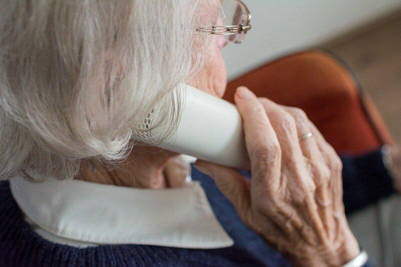 Osoby, które nie wychodzą z domu i potrzebują pomocy mogą dzwonić całą dobę pod telefonu 500 218 337 lub wysłać mail na adres: wsparcie@mopr.gda.pl