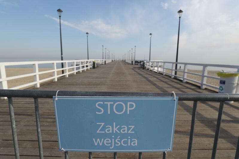 Decyzją władz Gdańska, w czwartek 26 marca, do odwołania nieczynne będzie molo w Brzeźnie. Promenada zamknięta zostanie u nasady o godz. 7 rano. Podobną decyzję, ale w sprawie popularnego sopockiego mola, podjęły władze kurortu