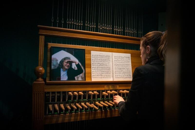 Na carillonie Ratusza Głównego Miasta - Muzeum Gdańska zagrała gdańska carillonistka Monika Kaźmierczak