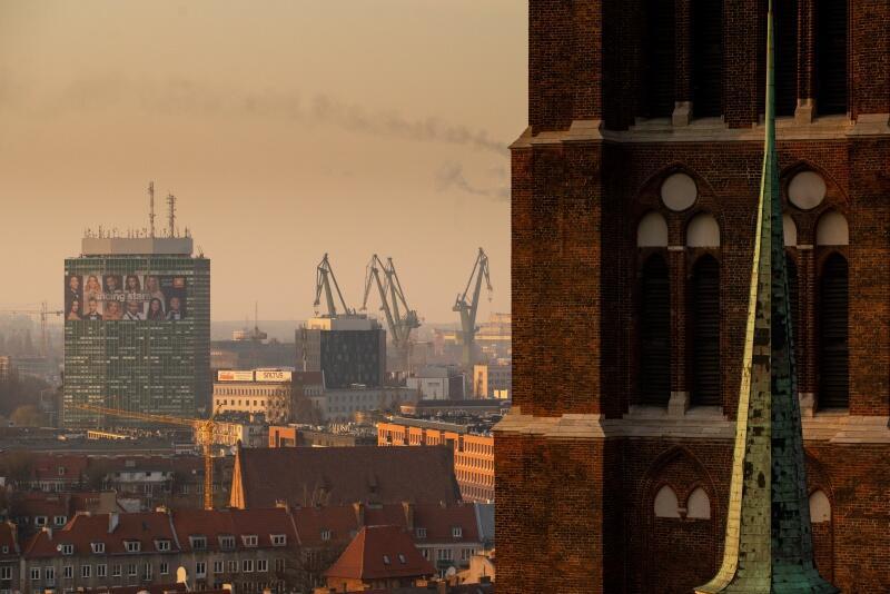 Taki widok gdańska roztacza się z miejsca, gdzie gra carillonistka