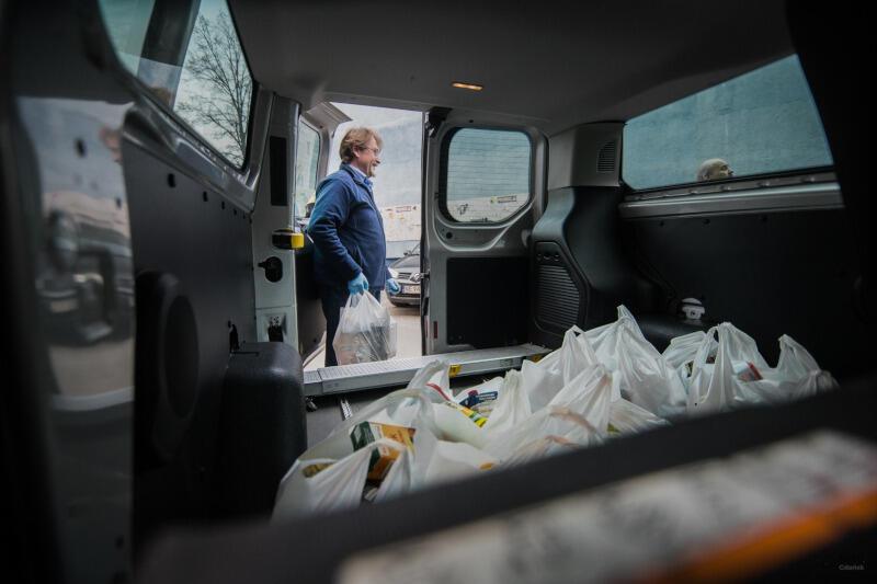 MOPR, ZTM, PKS Gdańsk i Bank Żywności w czasie epidemii koronawriusa oferują wsparcie żywnościowe dla potrzebujących gdańszczanek i gdańszczan