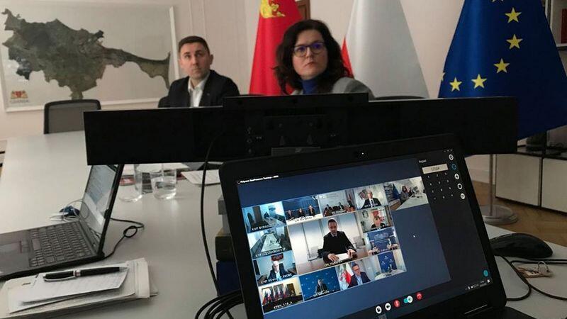 Na zdjęciu podczas wideokonferencji prezydent Gdańska Aleksandra Dulkiewicz i zastępca prezydent Piotr Borawski