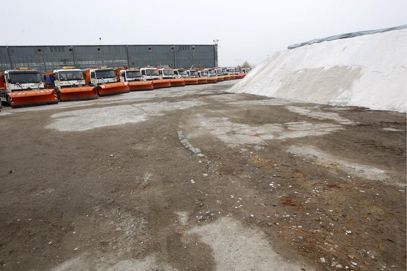 Niezależnie od pogody gotowość służb do zadbania o drogi w ramach akcji zima  trwa od 15 października do 30 kwietnia