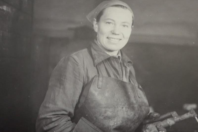 Anna Walentynowicz jako przodowniczka pracy socjalistycznej. Stocznia Gdańska, lata 50. XX wieku