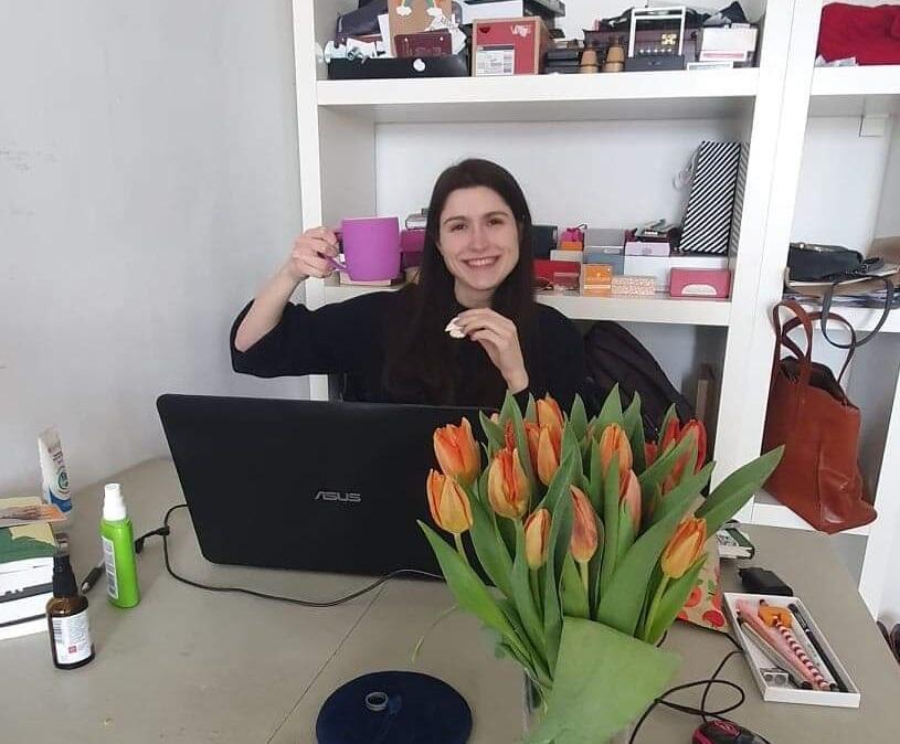 Marta Ejsmont i jej home office: - Mam dużo mniej pracy niż przed epidemią i nawet nie szukam dodatkowych zajęć, bo chcę skoncentrować się na pomocy szpitalom - deklaruje gdańszczanka