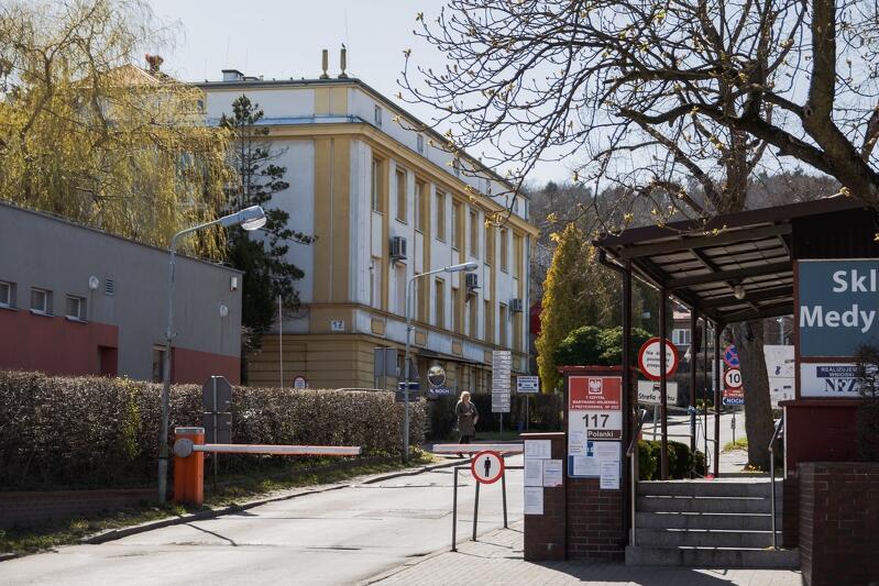 08.04.2020. Gdańsk, ul. Polanki. Szpital Marynarki Wojennej