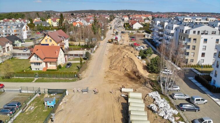 Na ul. Koziorożca trwa budowa kanalizacji deszczowej wrejonie skrzyżowania ul. Junony iul. Koziorożca