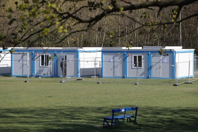 Budowa kompleksu kontenerowego dla osób bezdomnych zagrożonych koronawirusem na Chełmie