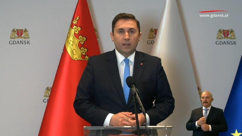 Piotr Borawski zastępca prezydent Gdańska ds. przedsiębiorczości i klimatu podczas wirtualnej konferencji prasowej, 20 kwietnia 2020 r.