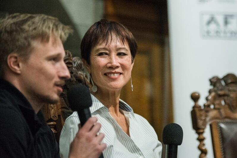 Tess Gerritsen to amerykańska pisarka, z zawodu... lekarz internista. W 2018 roku była gwiazdą Afery Kryminalnej - festiwalu literatury odbywającego się w Gdańsku