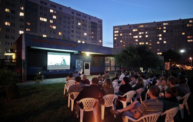 Kino w Blokowisku - organizatorzy z Plamy GAK mają nadzieję, że wrześniowy termin da się utrzymać