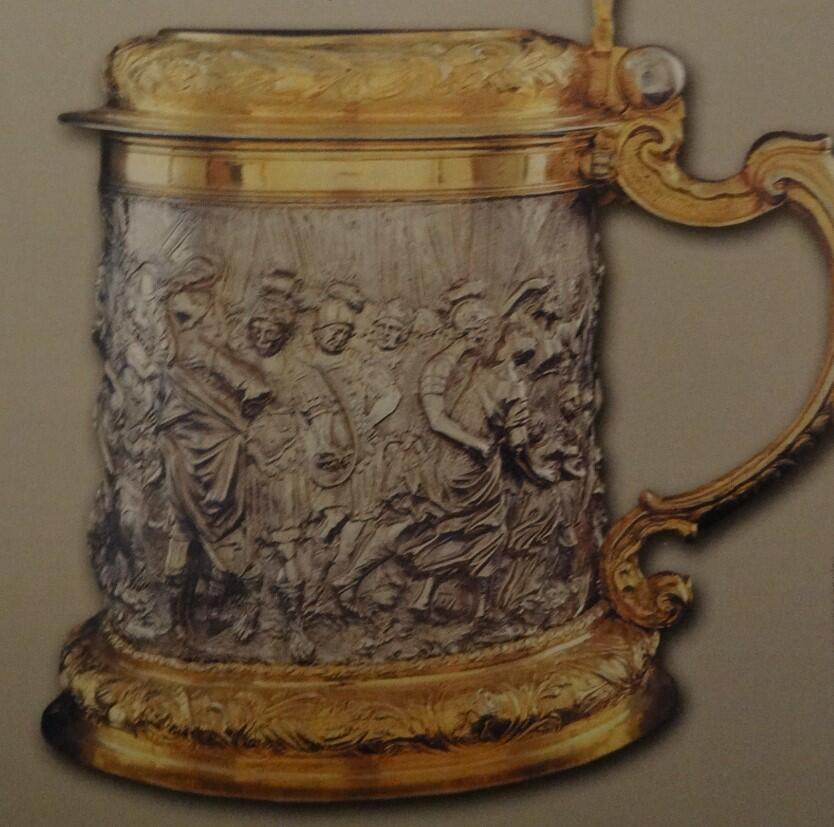 Ozdobny, cenny kufel, dzieło mistrza Andreasa Haidta, koniec XVII wieku