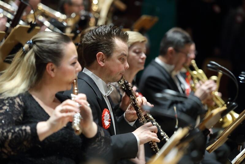 Muzycy Polskiej Filharmonii Bałtyckiej w Gdańsku, podczas koncertu na 100-lecie powrotu Rzeczpospolitej na Pomorze