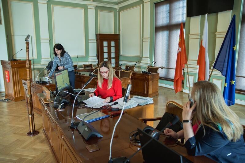 Przewodnicząca Agnieszka Owczarczak była jedyną przedstawicielką Rady Miasta Gdańska, która podczas sesji, 30 kwietnia, przebywała na sali obrad