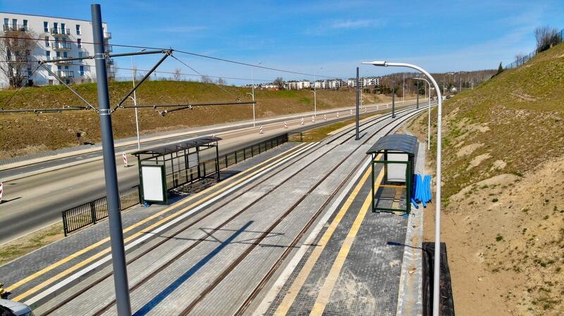 Pierwszy testowy przejazd tramwaju po al. Pawła Adamowicza planowany jest na II połowę maja