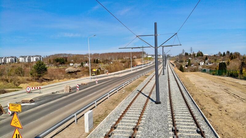 Zadanie budowy linii tramwajowej na al. Pawła Adamowicza realizowane jest w ramach Gdańskiego Programu Komunikacji Miejskiej – GPKM etap IVa
