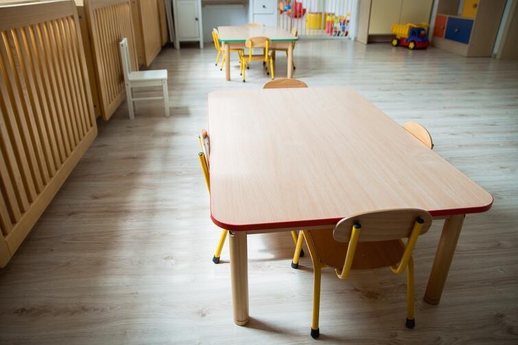 Połowa miejsc przy stolikach, zdjęte dywany i wykładziny, brak pluszaków - m.in. takie zmiany wprowadzone w gdańskim żłobku