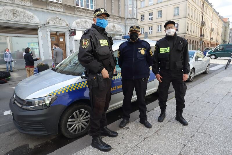 Strażnicy ze Straży Miejskiej w Gdańsku - decyzją wojewody pomorskiego oddelegowania do działań związanych z zapobieganiem epidemii Covid-19, oddaleni od codziennych zadań