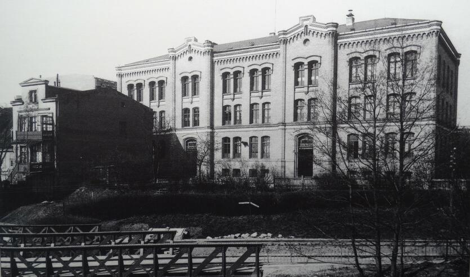 Nieistniejący budynek landratury przy ulicy Rogaczewskiego