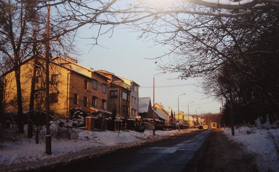 Współczesna zabudowa przy ulicy Stoczniowców, widok w kierunku Chełma; 2006