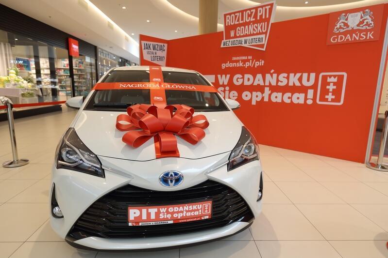 Hybrydowa Toyota Yaris w wersji premium to główna nagroda w loterii Pit w Gdańsku! Się opłaca