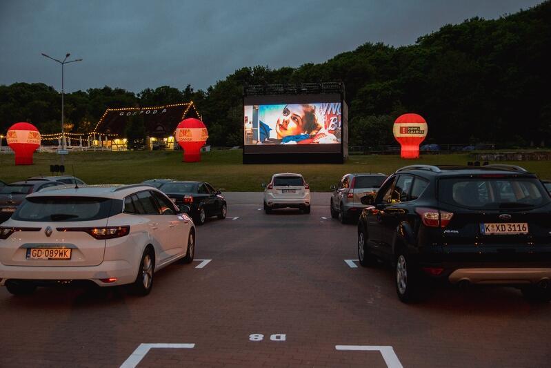 Na Placu Zebrań Ludowych zorganizowano w ten weekend kino plenerowe