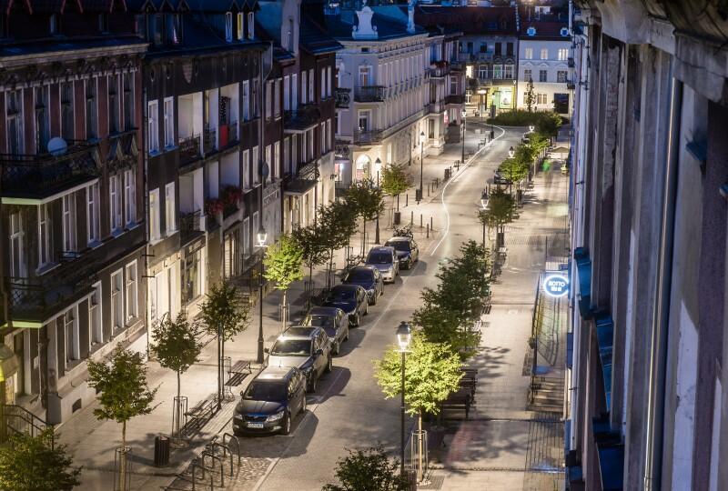 Ulica Wajdeloty. Rewitalizacja ulicy Wajdeloty otrzymała pierwszą nagrodę w konkursie organizowanym przez Towarzystwo Urbanistów Polskich we współpracy ze Związkiem Miast Polskich