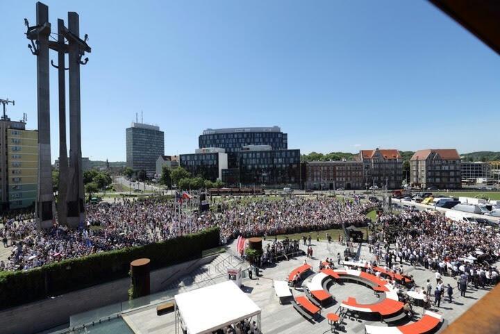 Czerwiec 2019 roku - Święto Wolności i Solidarności w Gdańsku z okazji 30. rocznicy częściowo wolnych wyborów w Polsce. W uroczystościach, spotkaniach, debatach, wystawach trwających w dniach 1-10 czerwca uczestniczyło około 220 tys. osób