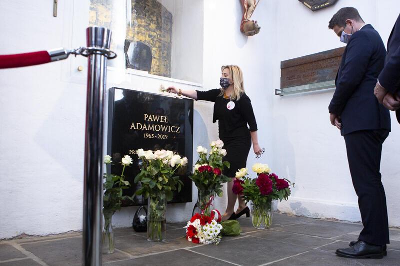 W Bazylice Mariackiej, przy urnie z prochami prezydenta Pawła Adamowicza