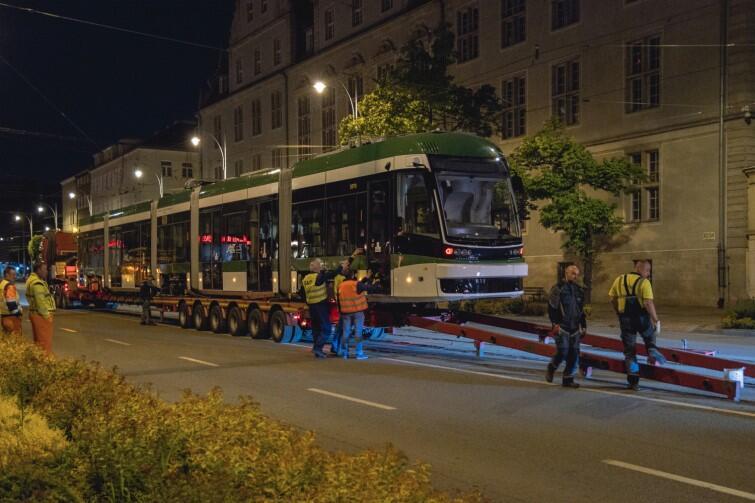 Biel i zieleń nowej Pesy są efektem specjalnego lakierowania tramwaju na zamówienie Miasta Gdańska