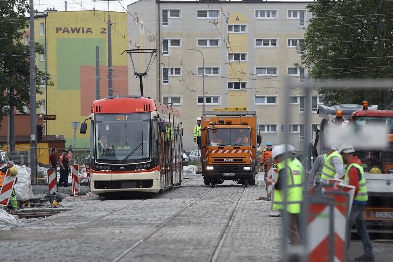10 czerwca rozpoczęły się testowe przejazdy tramwaju na zmodernizowanej linii na Stogach