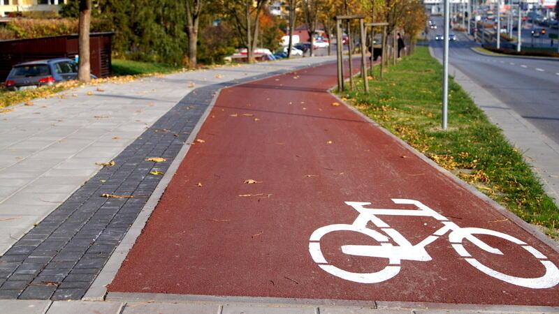 Ul. Nowatorów - istniejący już odcinek drogi rowerowej