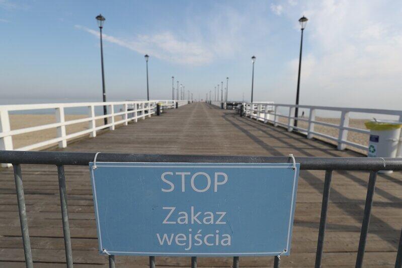 Wejście na molo w Brzeźnie, które również będzie zamknięte we wtorek, w godzinach 8-15. Jeśli ktoś chce koniecznie w tym czasie odwiedzić plażę, powinien się wybrać na dalej położoną Wyspę Sobieszewską, gdzie ograniczenia dostępu nie będzie