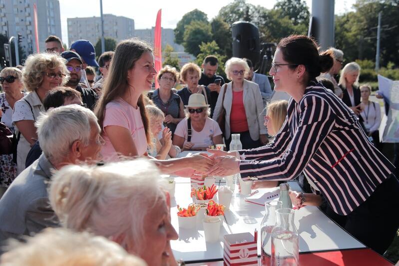 Rozmowy przy stole - nowa forma spotkań obywatelskich w Gdańsku