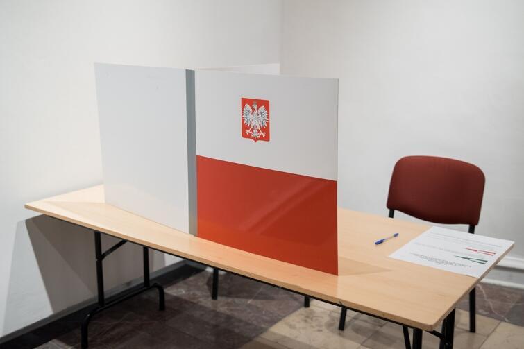 Osoby chętne do pracy w komisji wyborczej, 28 czerwca, mile widziane