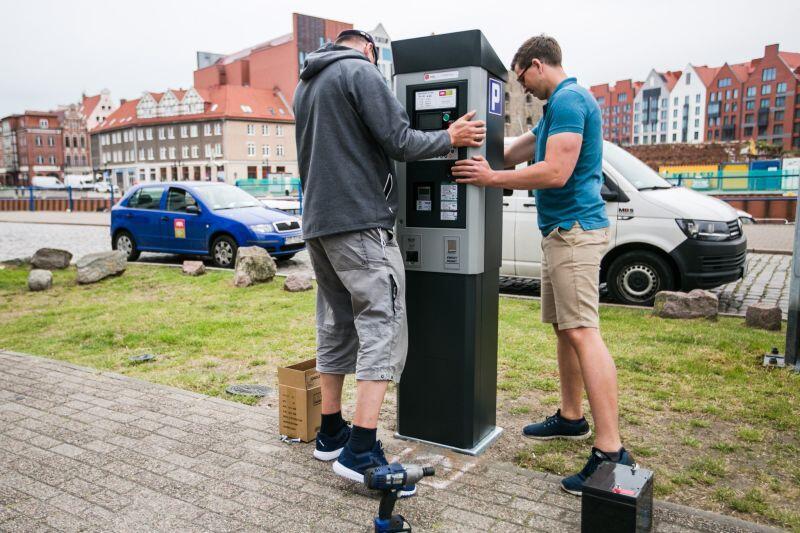 W związku z uruchomieniem Śródmiejskiej Strefy Płatnego Parkowania zamontowano dodatkowe parkomaty