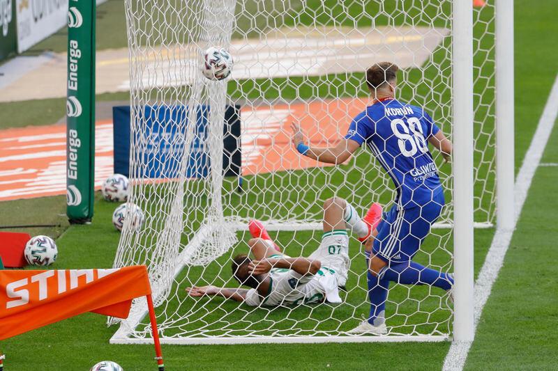 W bramce Piasta piłka, Flavio Paixao i Uros Korun. Gol nie został jednak uznany