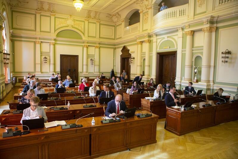 25 czerwca br. sesja Rady Miasta Gdańska odbyła się, po 3-miesięcznej przerwie, w Nowym Ratuszu