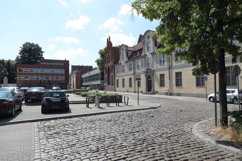 Choć ul. Elżbietańska mieści się w samym centrum Gdańska, ma kameralny charakter