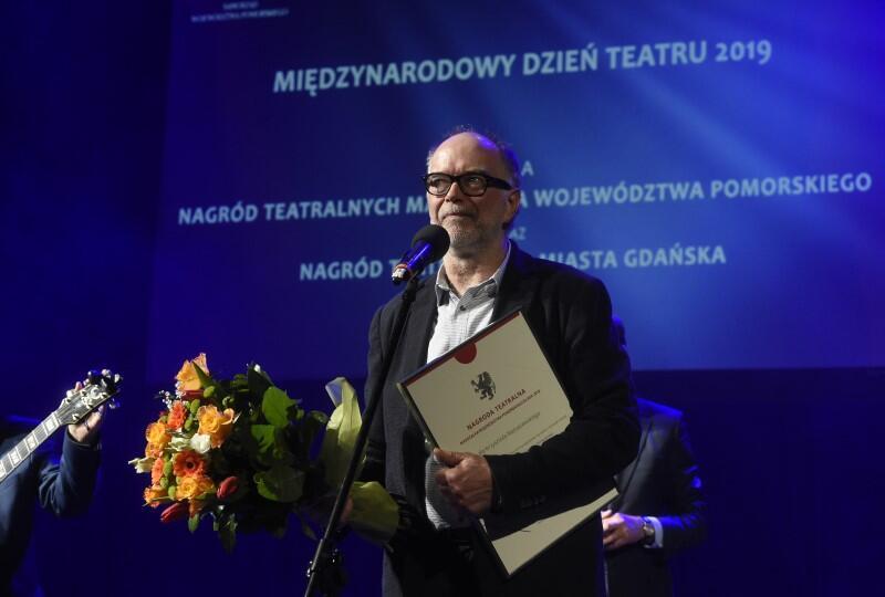 Krzysztof Matuszewski z Nagrodą Teatralną Marszałka Województwa Pomorskiego za rok 2018