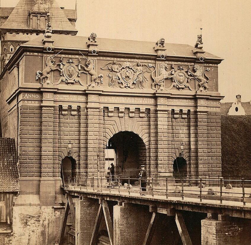 Brama Wyżynna, najbardziej reprezentacyjna z gdańskich bram, 1855